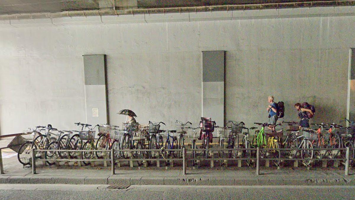 博多駅高架下南・博多駅路上駐輪場